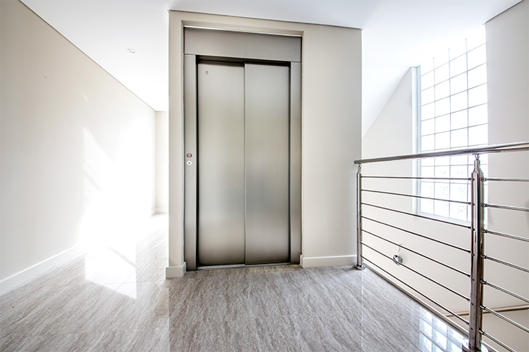 2- ROYAL Lift - Scrolling Image