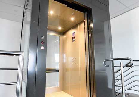 chrome commercial lift for dda compliance