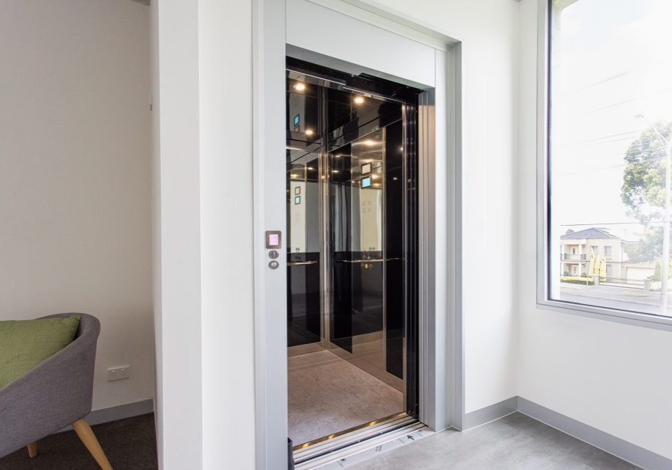 crown commercial elevator