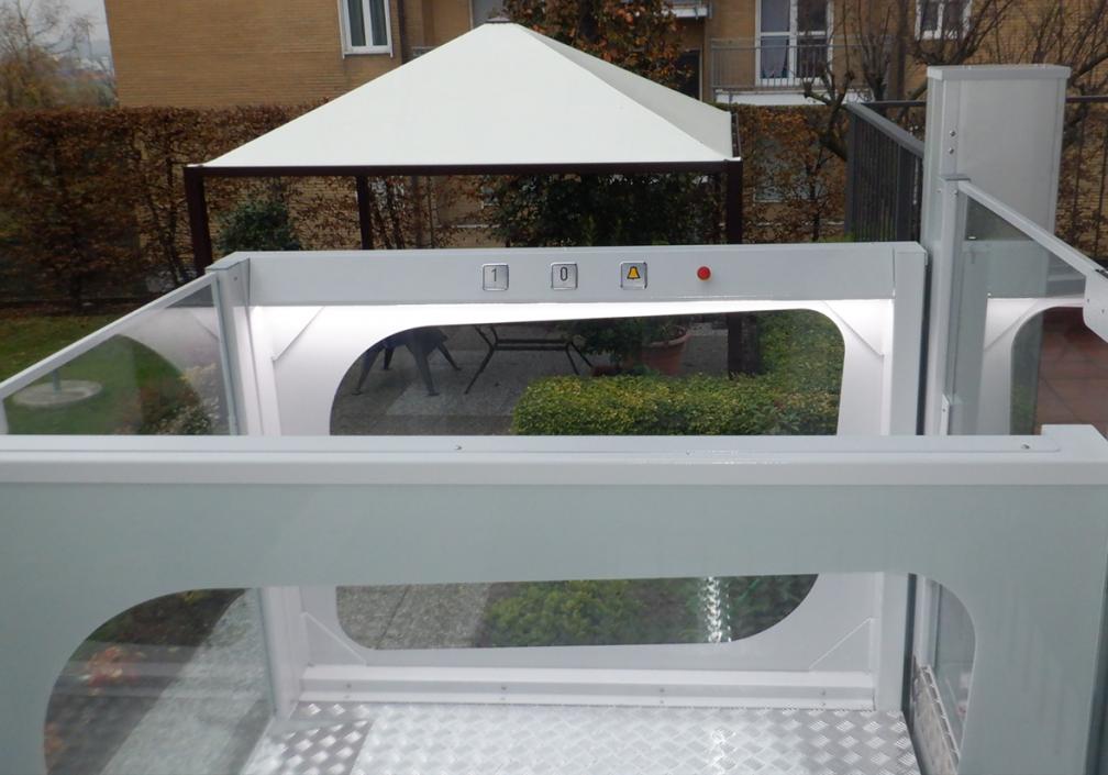 mini lift providing access to outdoor patio