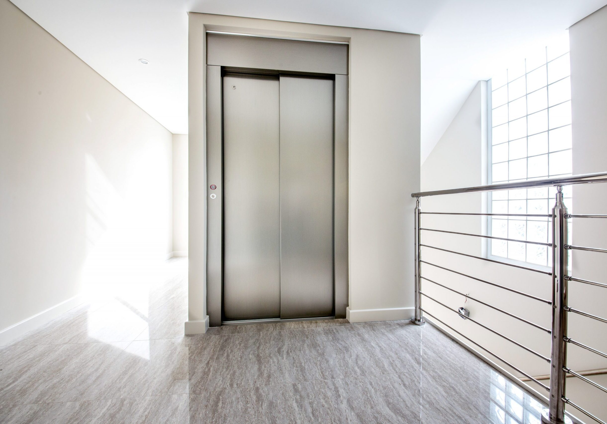 Elevator in a new build